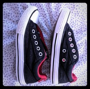Converse low top red and black youth shoes